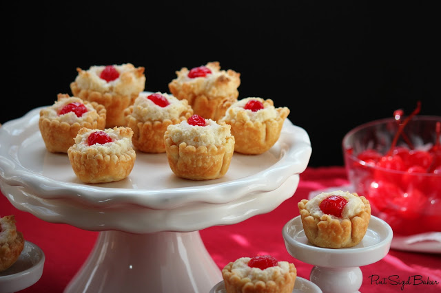 Almond Macaroon Mini Pies - Pint Sized Baker #almond #mini #pie #marzipan