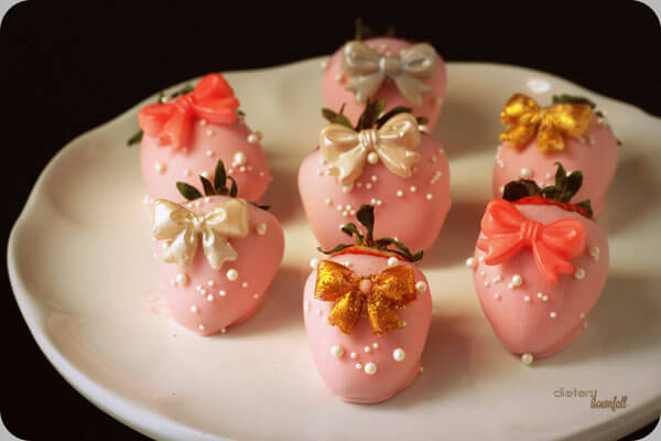 All dressed up for New Year's Eve. Pink Strawberries in their finest. from #dietersdownfall.com