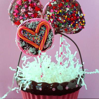 Kid's Valentine's Lollipops