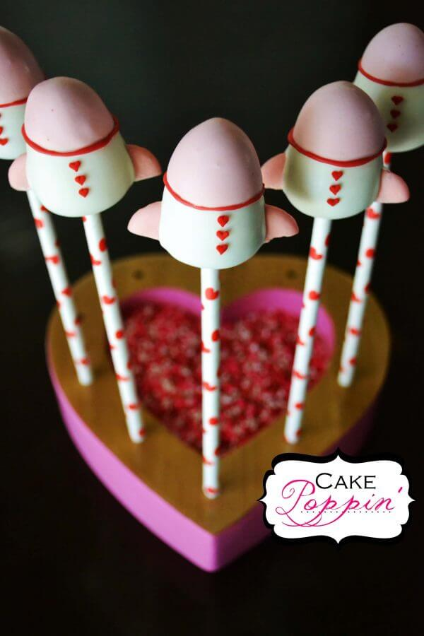 Whoosh! This Rocket Ship Cake Pop Tutorial from Cake Poppin' is so cute! They are the perfect way to tell someone that you love them to the moon and back!