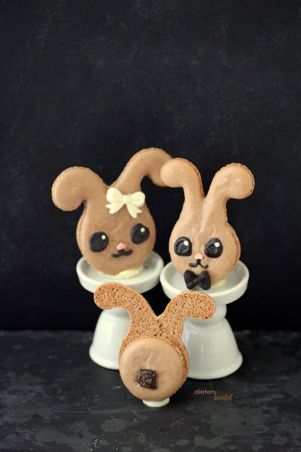 Super Cute and super easy. Don't be scared of Macarons. These Bunnies are too cute to pass up. from #dietersdownfall.com