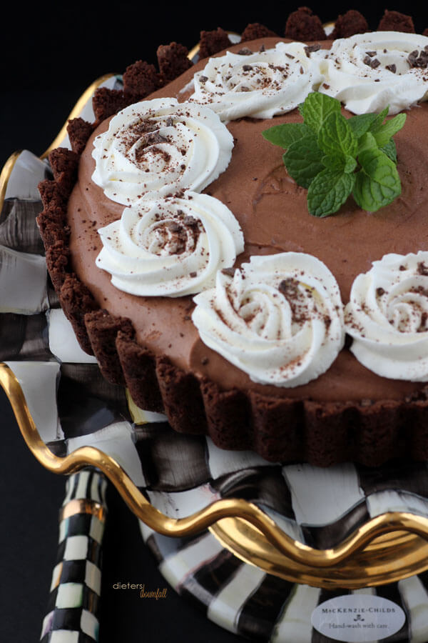 Dig in to this Mint Chocolate Mousse Tart! from #DietersDownfall.com