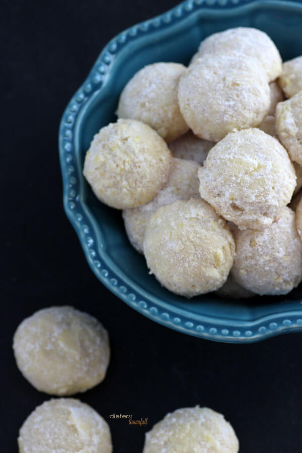 Little Snowball Cookies flavored with the tart and tangy Lemony flavor. from #DietersDownfall.com
