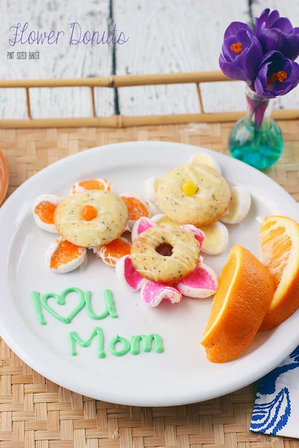This Mother's Day, make mom breakfast in bed and deliver some flowers all in one swoop with these Flower Donuts.