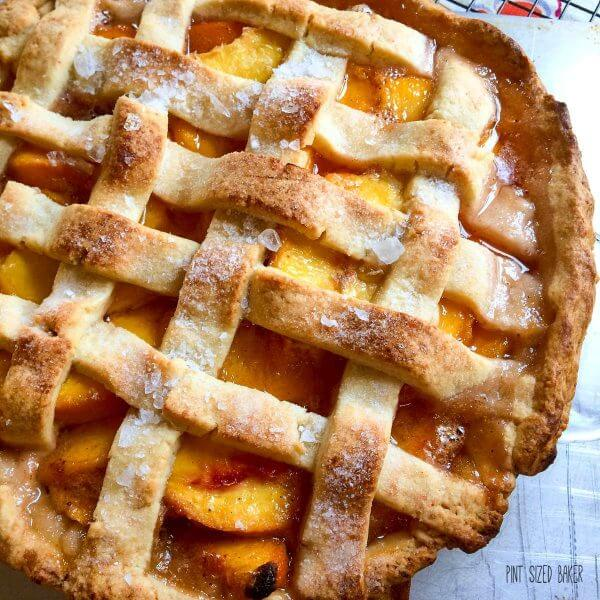 A great peach pie recipe. This perfect peach pie is so good. Everyone is going to love it!