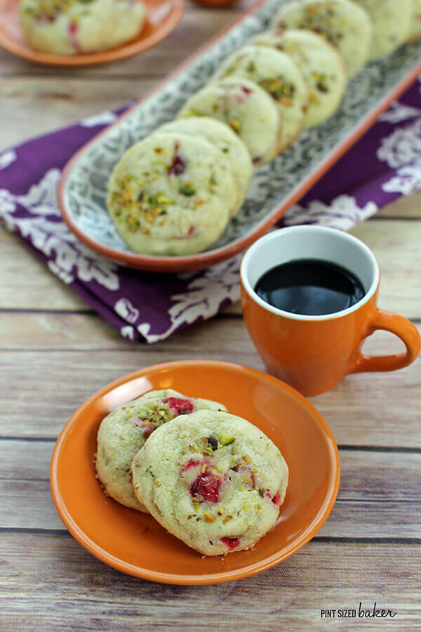 Naturally colored holiday cookies - these cranberry and pistachio cookies are amazing!