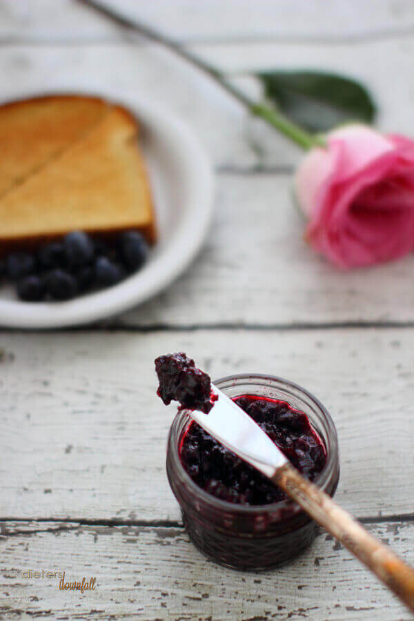 I like my blueberry jam on the chunky side. Those fresh blueberries are a perfect topping to my breakfast.