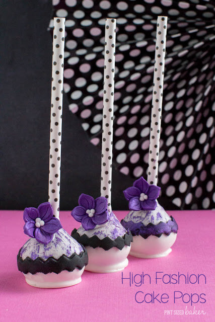 These high fashion cake pops are PERFECT for the next birthday! Any gal is going to love these on her dessert table!