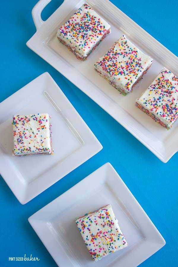 No one can resist rainbow sprinkles! These Fruity Pebbles Bars are full of color and so fun to eat! The kids love them!