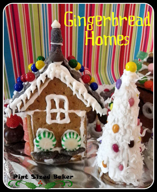 Gingerbread Graham Cracker Houses