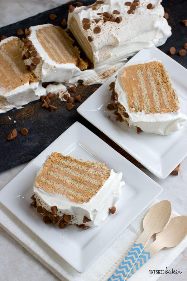 Layers and layers of graham crackers and pumpkin pudding make an easy dessert that is perfect for fall.