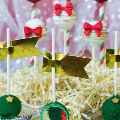 Tri-Colored Christmas Cake Pop Tutorial