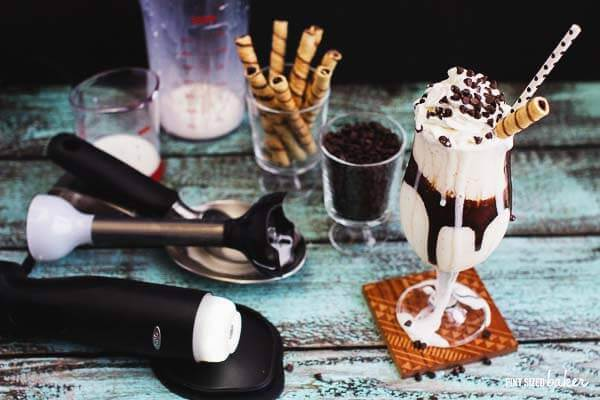 I'm making myself this Vanilla Milkshake for dessert tonight! It's quick and easy with my immersion blender.