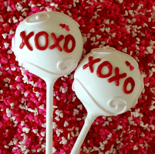 Sweet Violets Cake Pops · Pop Goes The Party 2