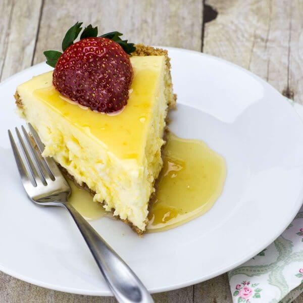 The perfect ending to a perfect dinner. This lemon cheesecake recipe is a great way to end a perfect day.