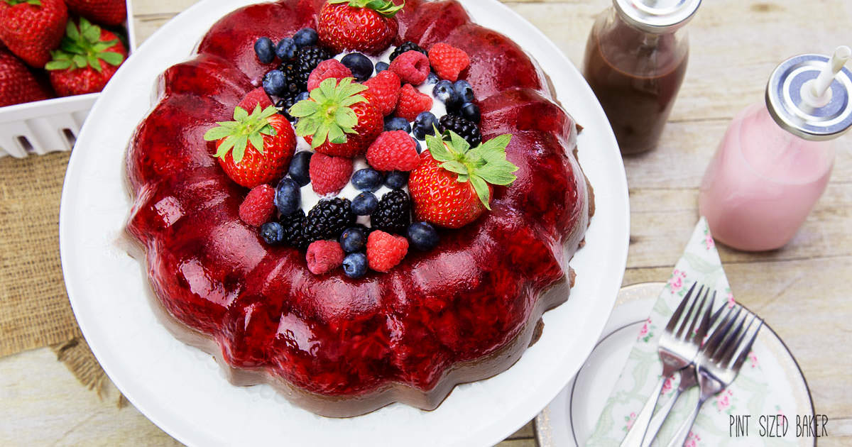 Chocolate Strawberry Jello Cake Recipe: Strawberry And Chocolate Jello Mold