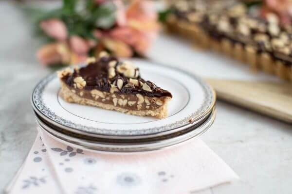 An easy dessert that is perfect fro all Snicker's fans! Peanut Caramel Tart is made to satisfy.