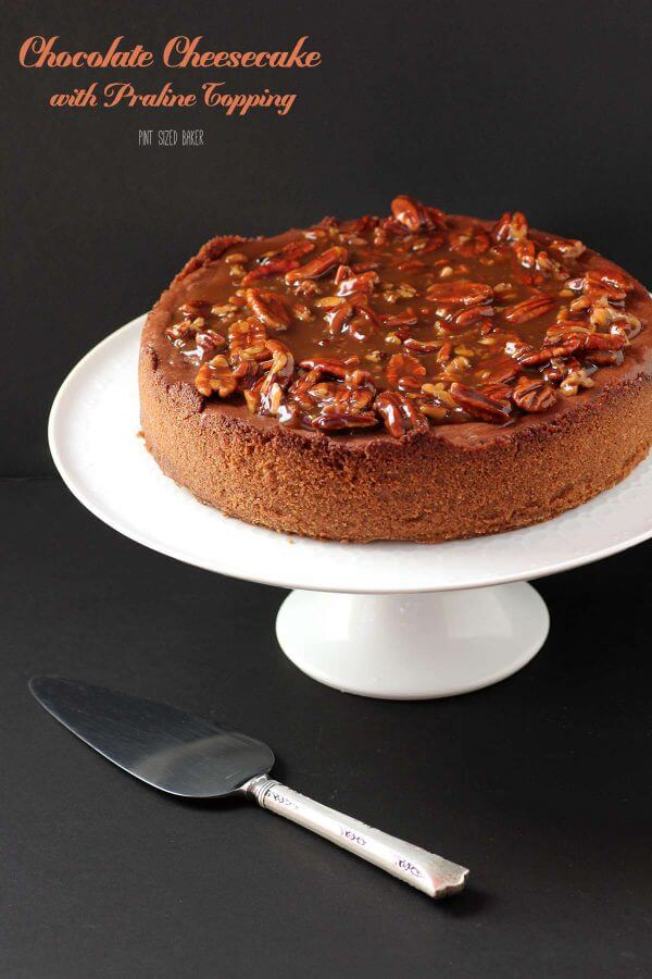 chocolate-cheesecake-with-praline-topping-33