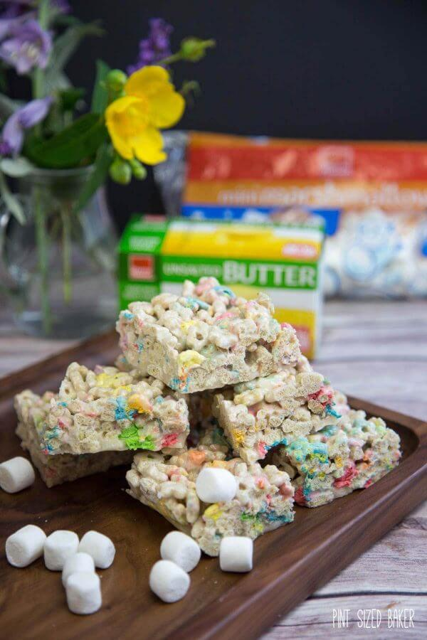 Bring the kids some after school Magic Stars Bar Treats. The kids in after school activities will love them!