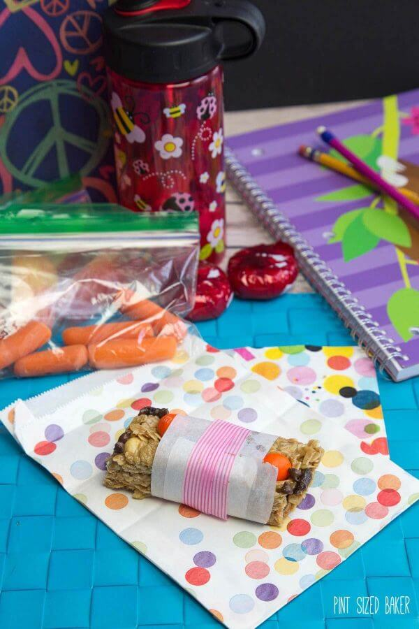 Send the kids off to school with these Back to School Cereal Bars. Bran Cereal bars for breakfast, granola bars fro lunch and special marshmallow ones for after school.