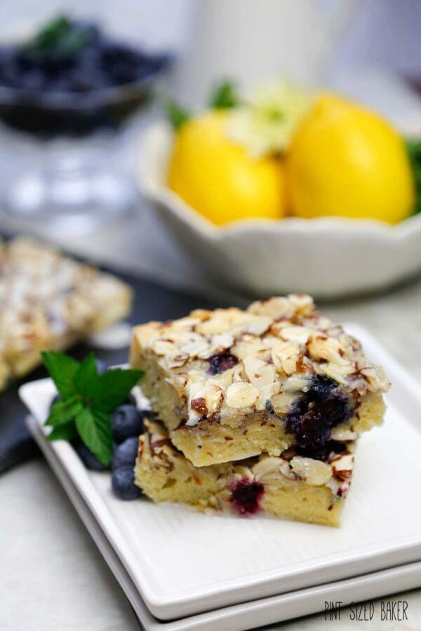Blueberry Lemon Swedish Visiting Cake Bars