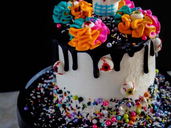 Day of the Dead Cake - #HalloweenTreatsWeek - Pint Sized Baker