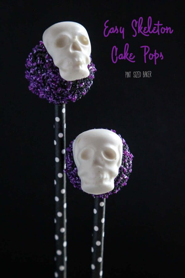 Super Easy Skeleton Cake Pops are perfect to make for you Halloween party dessert table. Skulls and bones make for a spooky and sweet treat.