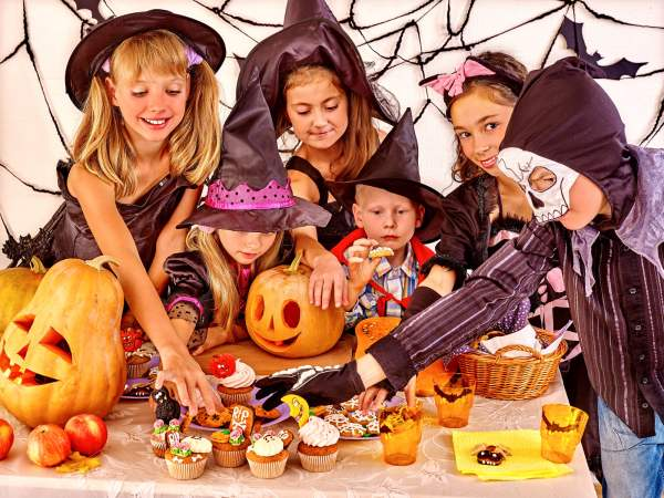 How to Plan the best party with Halloween Classroom Activities! - Made In A Pinch