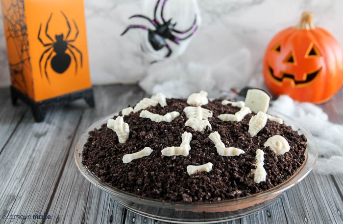 Graveyard Pie - A Deliciously Eerie Halloween Pudding Dessert Treat