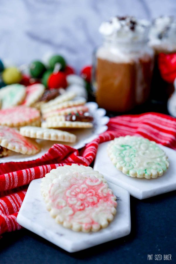 A photo of the red and green glaze on these shortbread cookies.