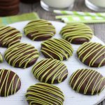 Learning how to make thin mints is easy and fun with this homemade thin mint recipe. Everyone loves this thin mint cookie recipe!