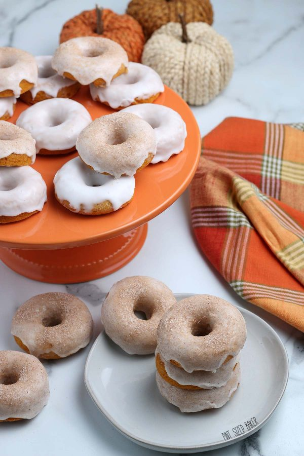 An image of the baked donuts on a plate ready for brunch!