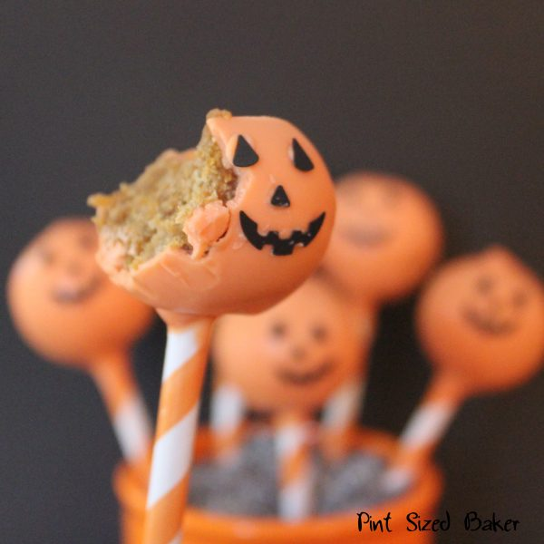 These Pumpkin Cake Pops with a Jack-o-Lantern face are delicious!